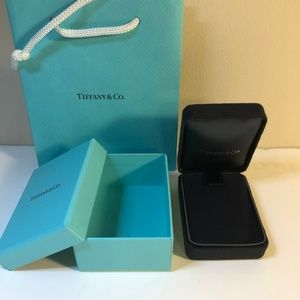 Tiffany Necklace empty box w/ shopping bag